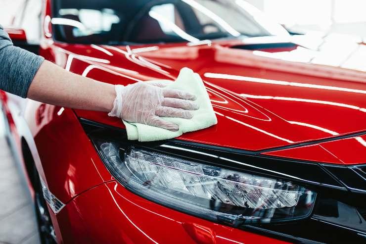 Pulire l'auto
