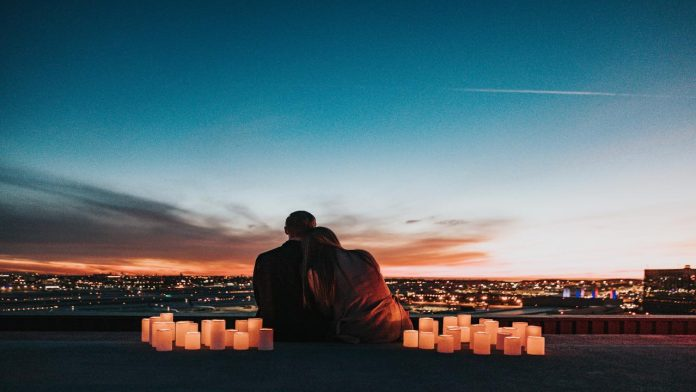 i segnali che un uomo si sta innamorando