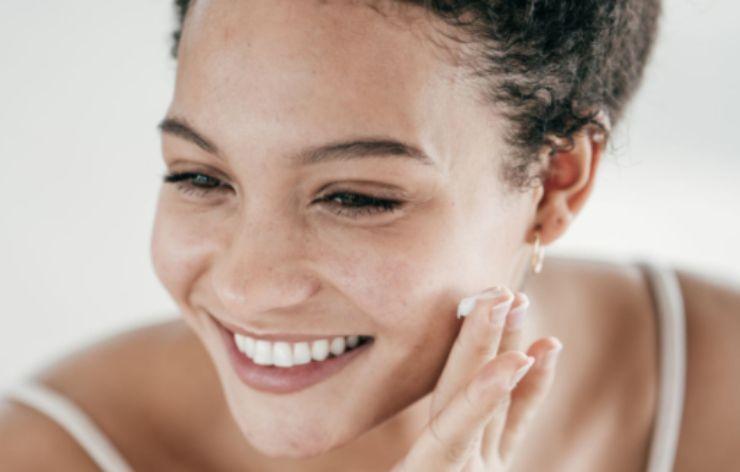 Pulizia viso, 3 consigli per una pelle sana