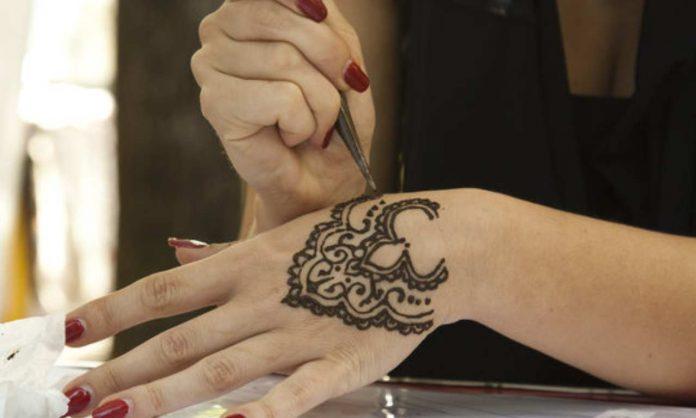 Tatuaggi all'hennè: consigli e controindicazioni