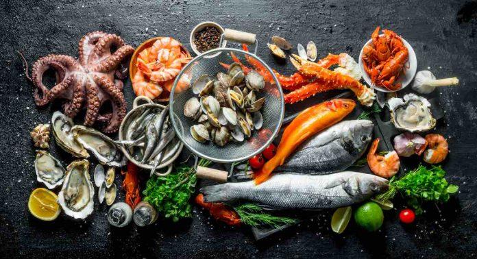 Come si usano le posate per il pesce
