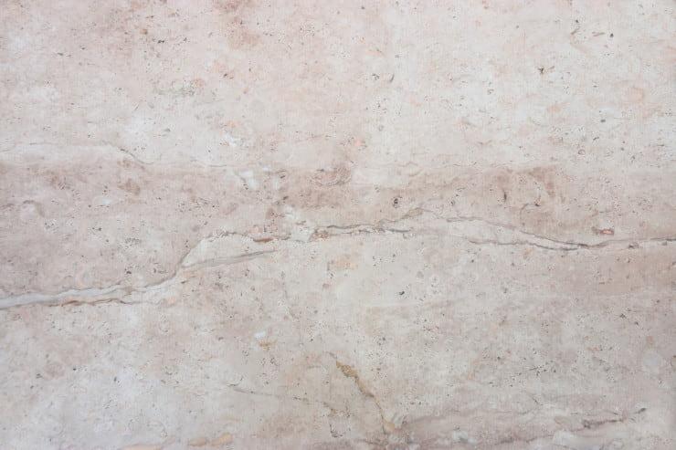 lavare pavimenti marmo