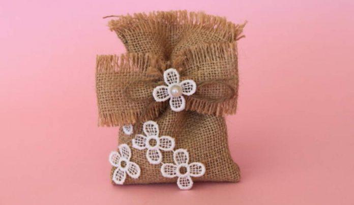 Come confezionare i sacchetti per i confetti