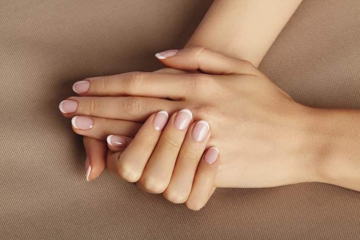 Manicure in casa