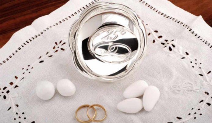 Come festeggiare 25 anni di matrimonio