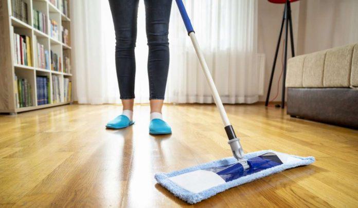 Come igienizzare e pulire il pavimento