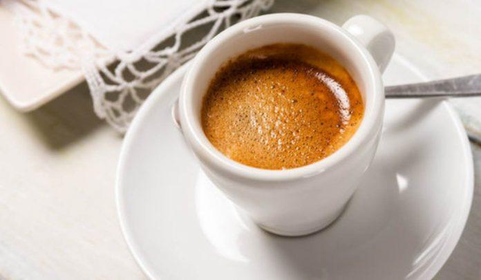 Il caffè decaffeinato fa male?