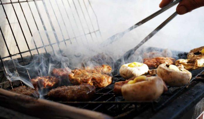 Regolamento barbecue nel giardino privato