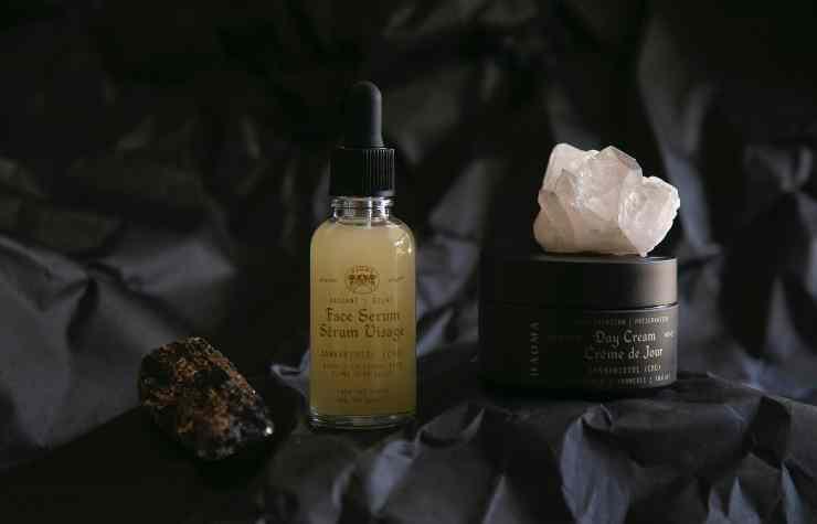 applicare correttamente la crema in viso secondo le linee di langer