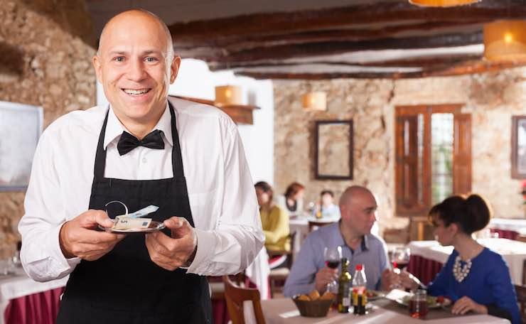 Cameriere con mancia
