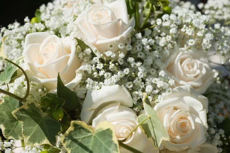 Regalare fiori per un battesimo