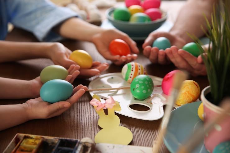 Decorare uova per la caccia