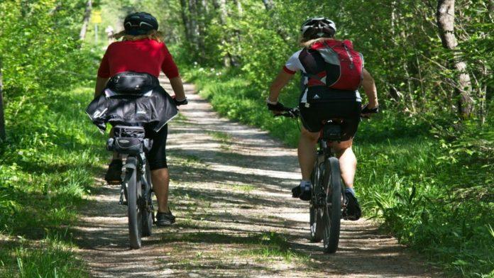 Come perdere peso pedalando: quanti chilometri occorrono