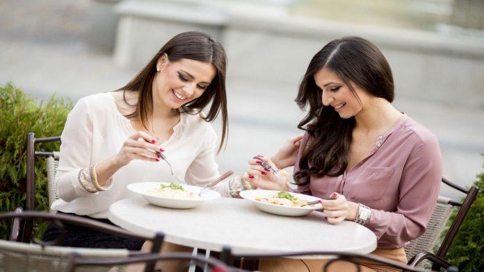 Cosa mangiare durante la pausa pranzo: consigli utili