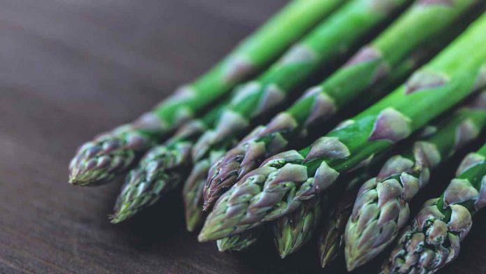 Come cucinare gli asparagi: i trucchi che non tutti conoscono