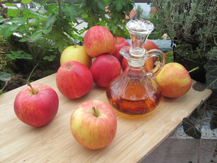 Punture d'ape: i rimedi naturali più efficaci per lenire i sintomi