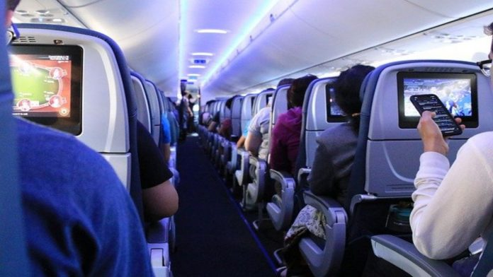 Biglietti aerei: 5 trucchi per prenotarli a prezzi stracciati