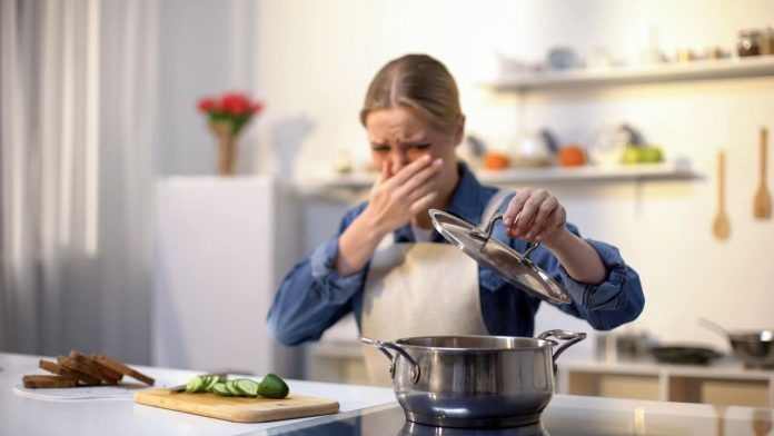 odore cucinato eliminarlo