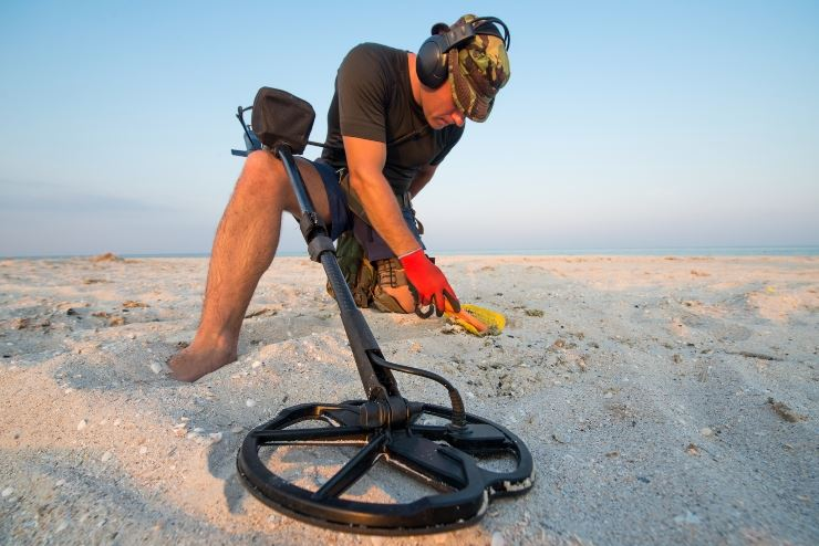 In spiaggia con il Metal Detector: cosa si può trovare