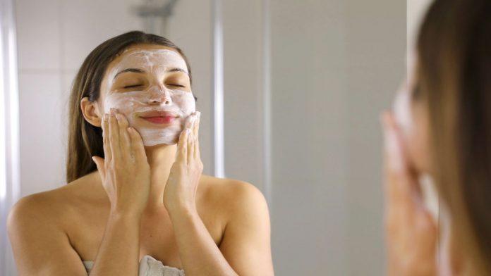 Esfoliazione pelle del viso: ecco perchè è importante