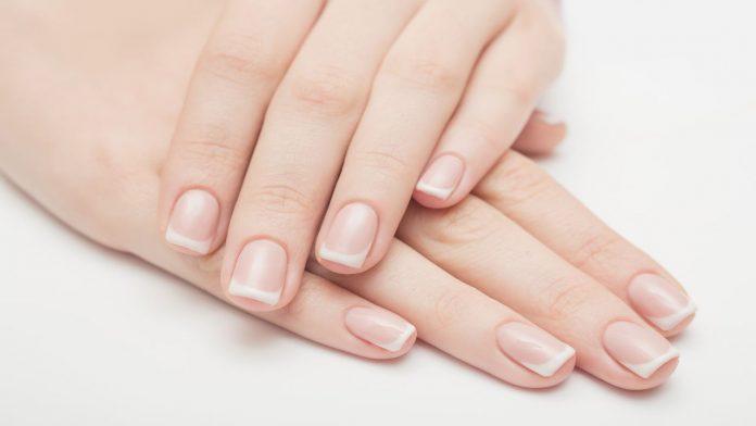 La cura miracolosa per le unghie, e non solo, da seguire durante l'estate