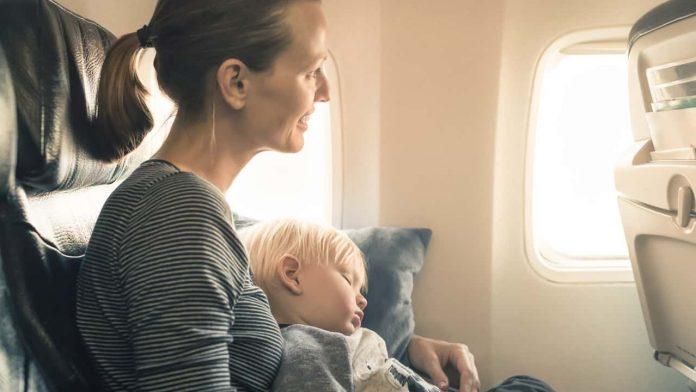 aereo bambini viaggio