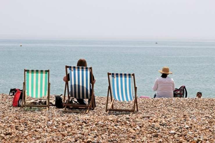 4 divieti in spiaggia che spesso vengono ignorati