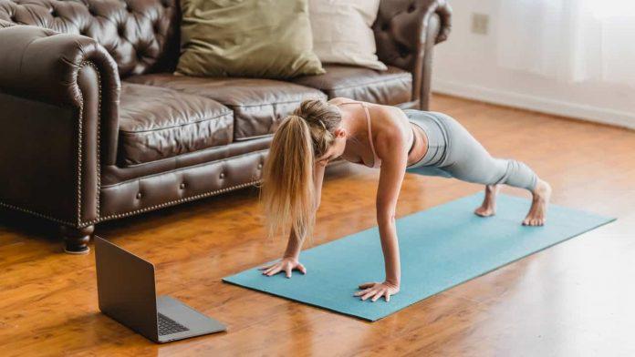 mantenersi forma esercizi casa