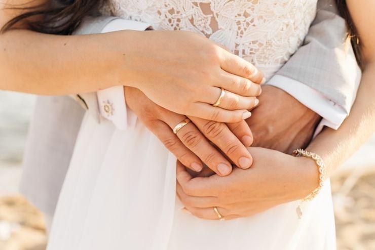 Siete testimoni di nozze, ecco cosa dovete regalare agli sposi