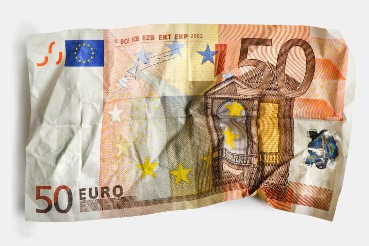 Banconota strappata perde un valore o possiamo riutilizzarla, ecco la verità